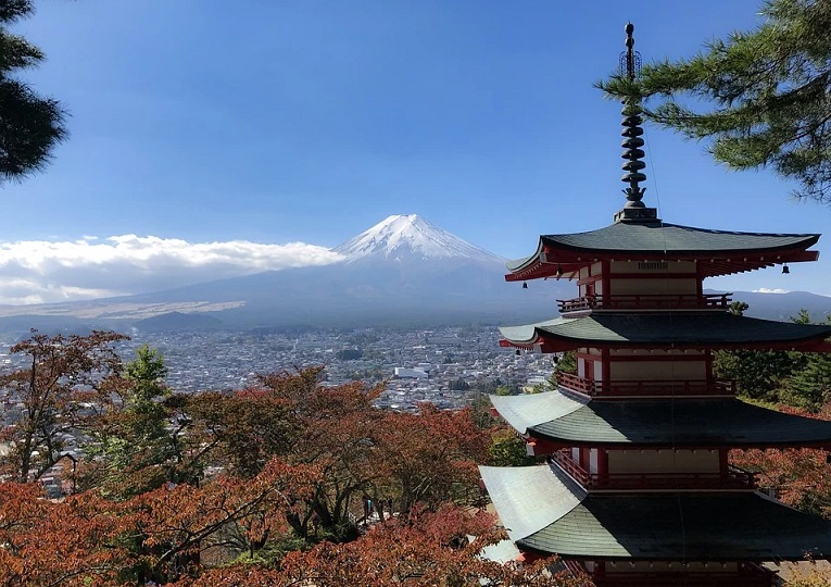 """The 10 """"Must Do"""" while You Climb Mount Fuji"""